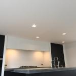 Airless spuitwerk van glad gestucte plafonds.