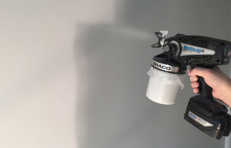 Airless latex spuiten van kleuren met de Graco EasyMax